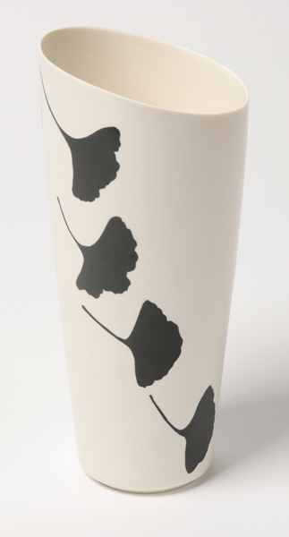 Black Gingko Leaf Vase