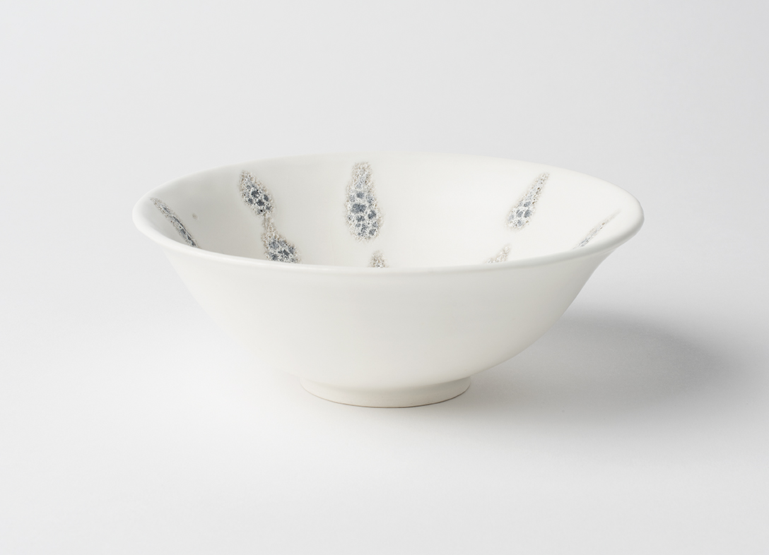 Porcelain Bowl with White glaze and Silver Volcanic Glaze 15 cm diameter
